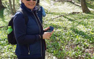 Medvehagyma szedő nordic walking túra Papp Anikóval