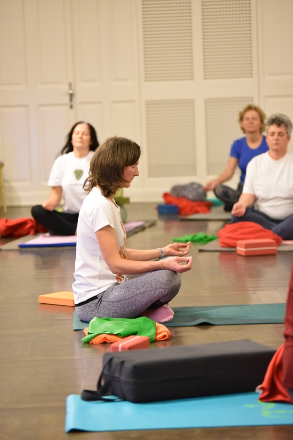 Papp Anikó - jógaoktató Zala megye - csoportos jóga, meditáció
